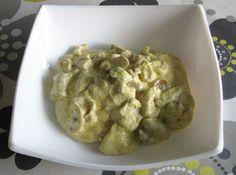 Pollo con salsa de mostaza http://recetasparacocinillas.blogspot.com/2014/12/pollo-con-salsa-de-mostaza.html