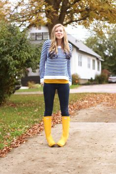 Style spotting! Here's our Original Short boots in yellow | Hunter ...