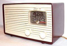 Bakelit Röhrenradio TESLA 312A JUNIOR / Bakelite Tube Radio Czechoslovakia 1950s