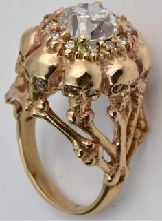 Jewelry for woman Skull Jewelry, Gothic Jewelry, Jewelry Art, Antique Jewelry, Jewelry Rings, Vintage Jewelry, Skull Rings, Memento Mori, Gothic Wedding Rings