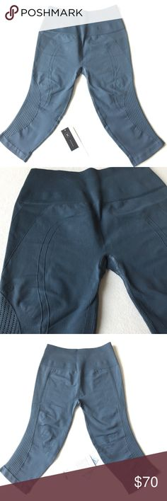 Lululemon Athletica Flow & Go Crop 👇PLZ READ THE COMPLETE DESCRIPTION BEFORE COMMENTING & OFFERING! Thank u!👇  NWT Retail: $88 Size: 8 Color may be slightly different bcz of lighting  🍀Price is FIRM unless bundled!🍀 ❌Trades ❌Holds All sales r final Welcome product-related questions! Ur responsible for ur size. lululemon athletica Pants Ankle & Cropped