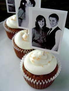 Carrot cake cupcakes with pineapple cream cheese frosting... and cute photocards on top! Perfect for my BBQ wedding :D