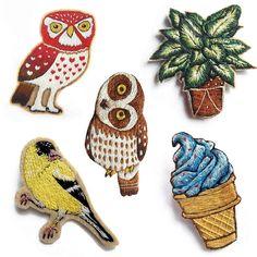 Самые красивые брошки в наличии  Какая вам больше всех нравится?  #handembroidery #modernmaker #modernembroidery #embroidery…
