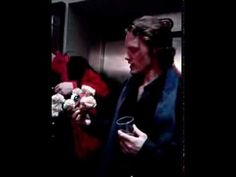 ▶ Sam Heughan and Mathan (mascot for the UK Outlander Gathering) - YouTube