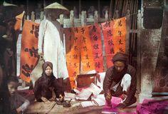 old photos by Albert Kahn History Museum, Art History, Old Pictures, Old Photos, Vintage Photos, Colonial, Buddhist Pagoda, Albert Kahn, Aesthetic Stores
