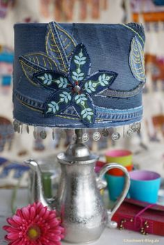 Jeanslampe, Denim, Lamp, Light, Sticken, nähen, Perlen, Hippie Style, Boho, sewing, embroider, Gratis Anleitung, freie Anleitung, free tutorial, Freebook