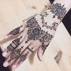 For my bestie @teebbaaaaa a twist on my recent design ❄️ #hennasleeve #tattoosleeve #mandalatattoo #hennastain #henna #floral #art #love #lace #lacehenna #hennatattoo #hennaartist #hennadesigns #hudabeauty #bridalhenna #hennainspire #dollhousedubai #msirsah #flashtattoo #simpletattoo #temporarytattoo #hennatutorial #arabichenna #arabictattoo #peachymakeup #hennastain #naturalhenna #wedding #mandalaart #traditionalhenna #hennatutorial #hennavideo