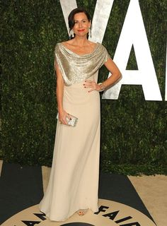 Minnie Driver reigned supreme in a champagne-colored gown and diamond baubles. Call us crazy, but we think she was one of the best-dressed beauties of the entire evening.
