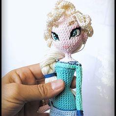 #frozen #lareinedesneiges #elza #amigurumi #amigurumiaddict #amigurumidolls #amigurumidoll #crochet #crochetdolls #crochetdoll #doll #poupee #handmade