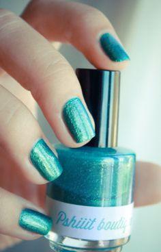 Comment créer son propre vernis à ongles? ( DIY Franken) - Pshiiit - http://pshiiit.com/2012/07/21/comment-faire-son-propre-vernis-a-ongles-tuto-franken/