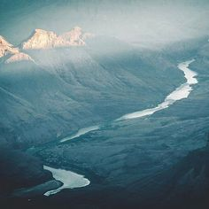Misty Mountain Tops  www.rngrstation.com  RNGR #RNGR #rngrstation #apparel  #wildernessoutfitters