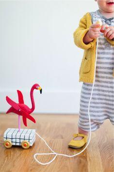 DIY flamingo pull toy