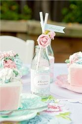 What a pretty tea party idea for a little girl! Sweet!