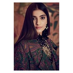 Like It 👍 or Love It 😘 Sonam Kapoor looks Super gorgeous🖤🖤🖤🖤 Indian Bollywood Actress, Bollywood Fashion, Indian Actresses, Bollywood Saree, Tamil Actress, Most Beautiful Indian Actress, Beautiful Actresses, Sonam Kapoor Wallpapers, Cute Beauty