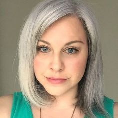 \(^-^)/Woo Hoo! Finally, a gray hair update for my silver sisters is up on the blog!!! ❤️