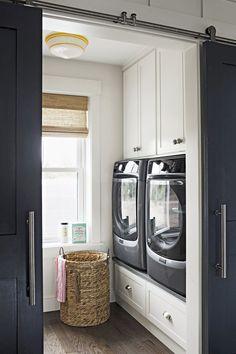 Inspiring Farmhouse Laundry Room Ideas (7)