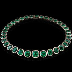 Style of Jolie - Emerald Necklace