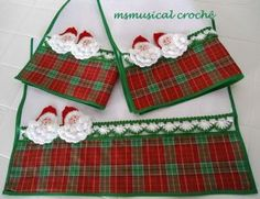 Discover thousands of images about Pinheirinhos (Patchrosa) Tags: christmas natal patchwork pinheiro pinheirinho panodeprato pinheirinhodenatal patchrosa Christmas Towels, Christmas Sewing, Christmas Projects, Christmas Holidays, Xmas, Towel Dress, Crochet Borders, Guest Towels, Sewing Table