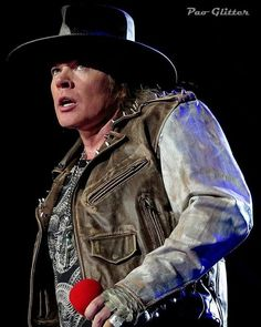 """53 curtidas, 3 comentários - W. Axl Rose (@legendaxl) no Instagram: """"OKAY GUYS. I need your honest opinions, what can I do too make my account better? ❤ #axl #axlrose…"""""""