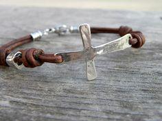 Sterlingsilber Kreuz Leder Armband Herren Unisex von TANGRA2009