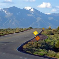 The highway between Sante Fe & Taos, New Mexico. Holla!