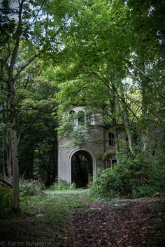Scotland, Aberdeenshire, Haddo-House, Inverkeithny - probably abandoned 70 years ago, now going to ruin.
