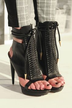 I love these shoes, but I hate seeing ppls toes hanging off & cramped.  #JustWrong L.A.M.B. Fall 2012 - Details