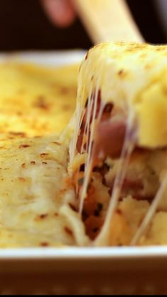 Recipe with video instructions: Stuffed Polenta recipe Tastemade Recipes, Polenta Recipes, Salty Foods, Easy Healthy Dinners, I Foods, Crockpot Recipes, Casserole Recipes, Food Inspiration, Good Food