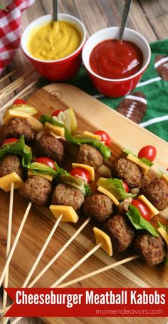 Were sharing these fun cheeseburger meatball kabobs sponsored by Cooked Perfect Meatballs with you today perfect for a fun game day appetizer Food on a stick always seems. Game Day Appetizers, Appetizer Recipes, Lunch School, Aperitivos Finger Food, Comida Picnic, Food On Sticks, Stick Food, Healthy Snacks, Healthy Recipes