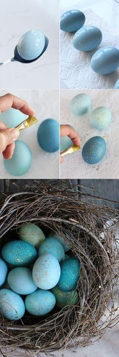 DIY robin eggs for Easter using . . . red cabbage & edible gold paint. ---   http://tipsalud.com   -----
