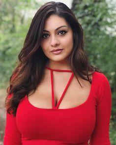 Indian Actress Hot Pics, South Indian Actress Hot, Bollywood Actress Hot Photos, Beautiful Bollywood Actress, Beautiful Girl Indian, Beautiful Indian Actress, Beautiful Actresses, Gorgeous Women, Beautiful People