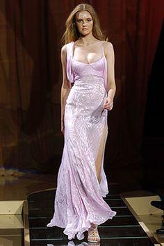 Versace Spring 2005 Ready-to-Wear Fashion Show - Polina Kouklina