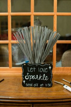 What great #diy #weddingfavor to add a little spark to your #weddings
