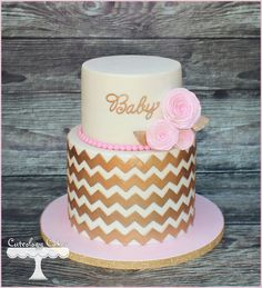 #Pink and #gold #babyshower cake from Cuteology cakes