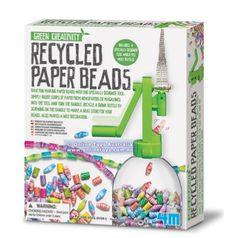 Kreativt pyssel för den medvetna konsumenten. Tillverka egna papperspärlor. Gör egna smycken av använda tidningar och magasin.