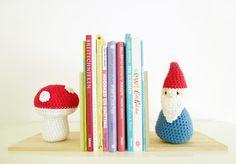 Annemarie's Haakblog: KreaDoe Patterns: Crochet Book Ends!
