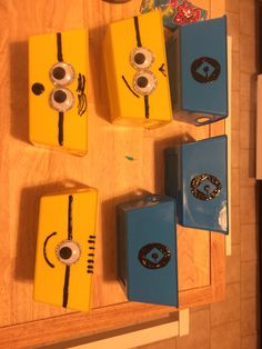 Minion party holders