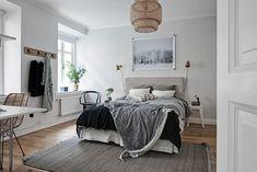 Fotka uživatele Scandinavian interior and design. Scandinavian Interior Bedroom, Scandinavian Home, Interior Architecture, Interior And Exterior, Interior Design, Home Office Space, Home Trends, Beautiful Bedrooms, Decoration