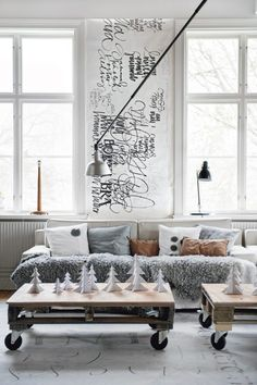 Scandinavian Living Room Design in order to provide you with cool ideas and inspiration. Scandinavian Living, Scandinavian Design, Scandinavian Christmas, Swedish Christmas, Modern Christmas, Minimal Christmas, Scandinavian Apartment, Scandinavian Interiors, Homemade Christmas
