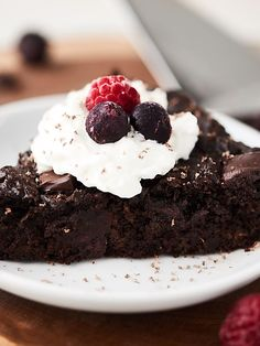Healthy Zucchini Cake Recipe via @showmetheyummy
