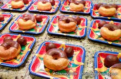 Tiny Tots Tuesdays: Presidents Day PJ #DisneySide @Home Celebration! Check out the easy to make Mickey inspired donuts! http://thegiftingexperts.com/tiny-tots-tuesdays-presidents-day-pj-disneyside-home-celebration/
