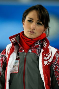 Hot women of curling, hurting pussy lips