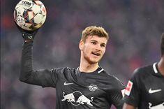 """ความเคลื่อนไหวของ แอร์เบ ไลป์ซิก ทีมดังบุนเดสลีก้า เยอรมัน ล่าสุด ตกเป็นข่าว อาจตอบรับข้อเสนอขาย ติโม แวร์เนอร์ กองหน้าตัวเก่งของทีมวัย 22 ปี หากมีทีมไหนยื่นซื้อตัวเข้ามาไม่ต่ำกว่า 36 ล้านปอนด์ หลังจากนักเตะไม่ยอมต่อสัญญาฉบับใหม่ โดยมี บาเยิร์น มิวนิค และ ลิเวอร์พูล ให้ความสนใจ ตามข่าวระบุด้วยว่า!""""เสือใต้""""คู่แข่งร่วมลีก มีโอกาสสมหวังได้ตัวหอกทีมชาติเยอมัน รายนี้ ไปร่วมทีม มากกว่า""""หงส์แดง"""" เนื่องจาก แวร์เนอร์ ต้องการค้าแข้งที่บ้านเกิดต่อ ยังไม่อยากย้ายไปเล่นต่างแดน"""