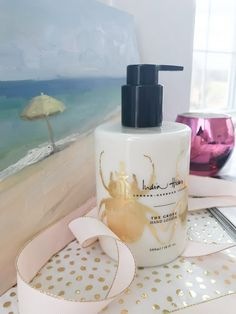 Review: India Hicks