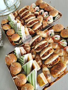 Party Food Buffet, Party Food Platters, Brunch Buffet, Tapas Buffet, Charcuterie Recipes, Catering Food, Catering Buffet, Catering Ideas, Ramadan Recipes