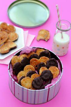 Palmier façon palmito® avec ou sans chocolat Desserts Français, French Desserts, Facon, Cereal, Breakfast, Comme, Spritz Cookies, Chocolates, Food Recipes