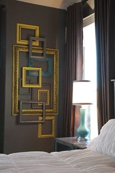 DIY Wall Art Out of Empty Picture Frames .DIY Ideas To Brilliantly Reuse Old Picture Frames Into Home Decor. Very Creative! deko bilderrahmen 41 Ways To Reuse Old Picture Frames : DIY Recycled Craft Ideas Empty Picture Frames, Empty Frames, Empty Wall, Picture Frame Art, Picture Wall, Picture Frame Headboard, Picture Ideas, Diy Interior, Interior Design