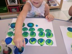 Little Blue and Little Yellow by Leo Lionni---Science--Provide yellow & blue paint with circle shape sponge dotters. Great activity to teach students if they mix yellow and blue, it turns to green.