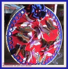 quadrinho de bastidor com borboletas de pet com tecido