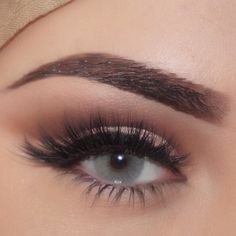 """Ok last time I promise Cut Crease """"Scarlett"""" lashes Shadow Couture Palette """"Fudge"""" & """"Morocco"""" in crease """"Pink Champagne"""" on lid Slate Eyeliner BrowWiz """"Ebony"""" and Duo Powder """"Ebony"""". Colored Eye Contacts, Pink Champagne, Cut Crease, Morphe, Anastasia Beverly Hills, Huda Beauty, Lenses, Eyeliner, Makeup Looks"""